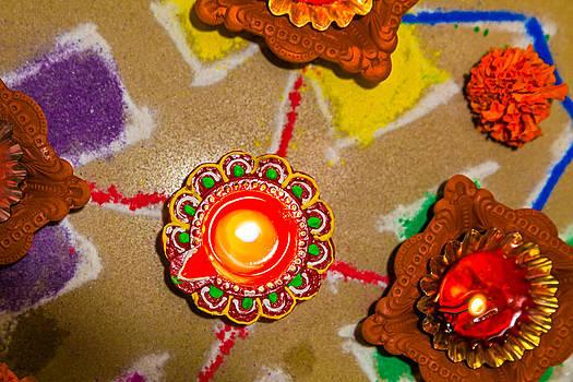 0159 280713 6300 Hindu Rangoli candle diva divali new year holi. by Kantilal Patel