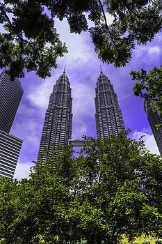 Petronas twin tower by Mario Legaspi