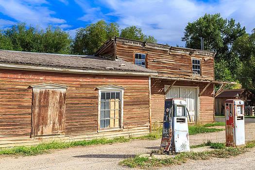 Abandoned mining buildings by Susan Leonard