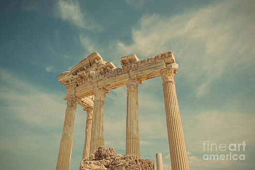 Apollo Temple by Bahadir Yeniceri