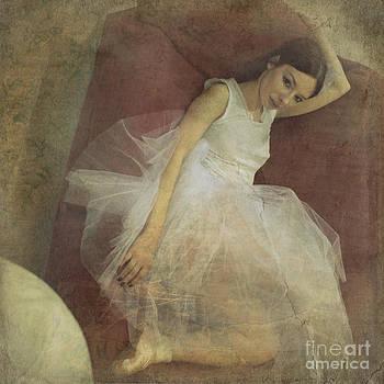 Ballerina by Sylvia Lakoma