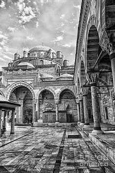 Sophie McAulay - Beyazit Camii mosque