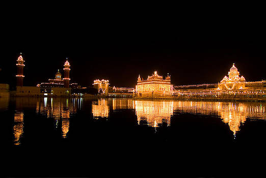 Devinder Sangha - Bright Golden Temple