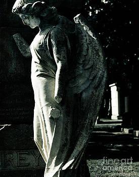 Sonja Quintero - Broken Angel