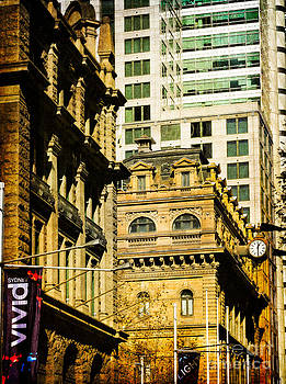 David Hill - Contrasting architecture - Old Sydney sandstone with modern buildings behind