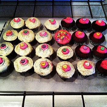 Cupcakes Are Ready For The Birthday by Keri Stringer