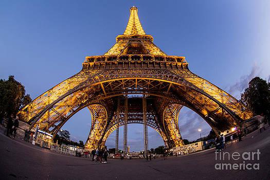 Eiffel Tower by Mina Isaac