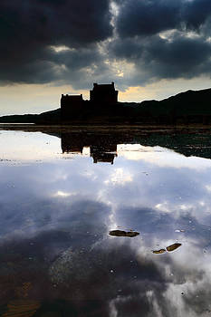 Eilean Donan Castle by Grant Glendinning