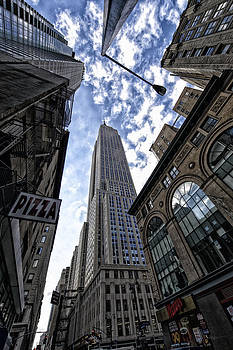 Empire State Building by Dick Wood