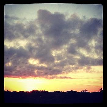 Good #morning ! #sunrise #sky #clouds by Greta Olivas