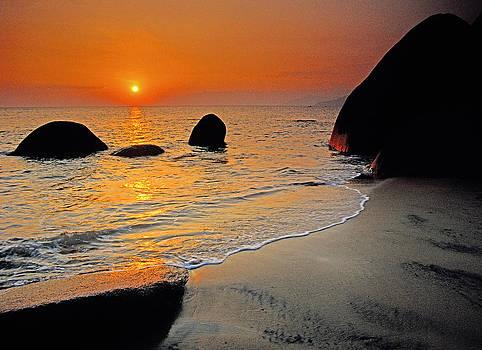 Dennis Cox - Hainan beach 2