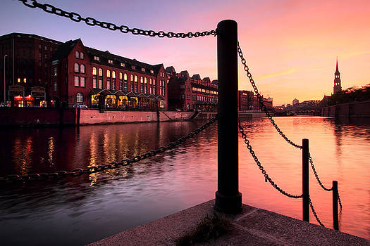 Hamburg Sunset by Marc Huebner