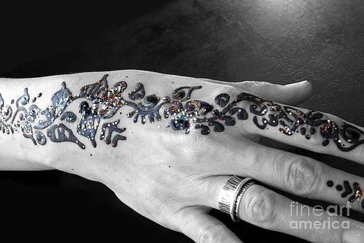 Sophie Vigneault - Henna Tattoo