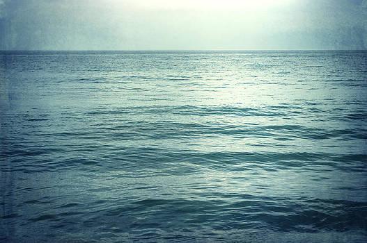 Carolyn Cochrane - I Go to the Sea