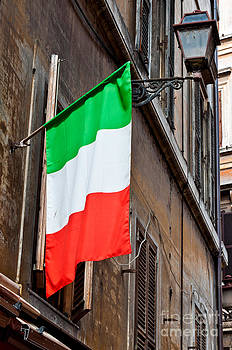 Italy flag by Luis Alvarenga