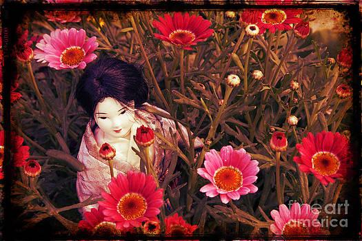 Sophie Vigneault - Japanese Geisha