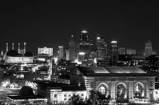 Kansas city by Night by Lamyl Hammoudi