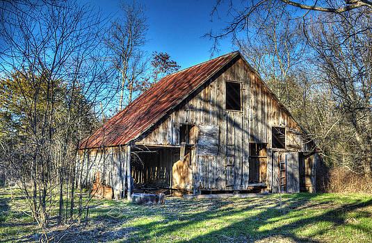 Kingston Barn by Lisa Moore