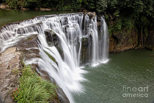 Fototrav Print - Landscape Shifen Waterfall in Taiwan