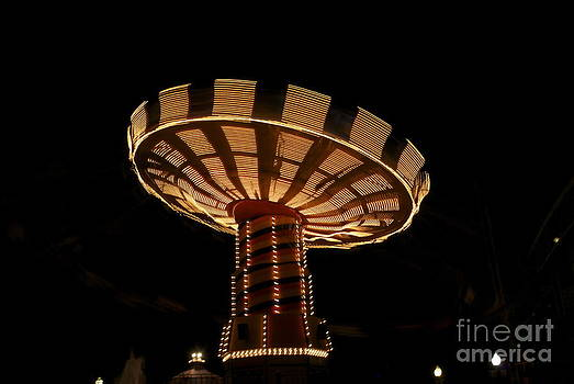Lights of The Wave Swinger at Navy Pier by Nikki Criel