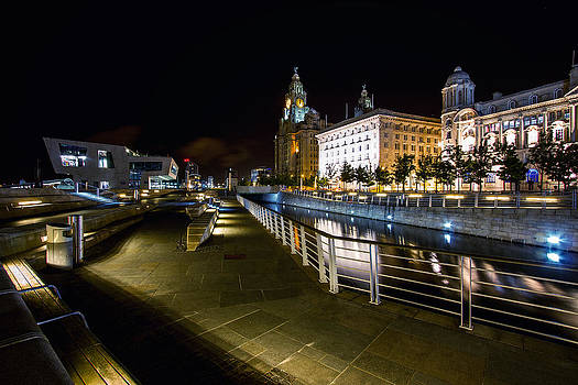 Liverpool Waterfront by Wayne Molyneux