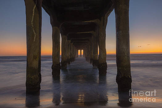 Manhattan Beach Pier by Shishir Sathe