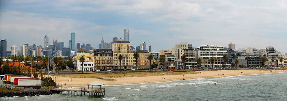 Melbourne by Glen Johnson