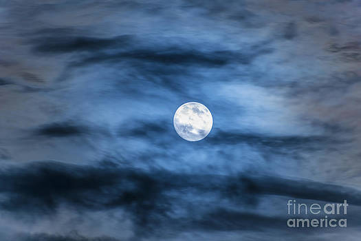 Moon by Mats Silvan