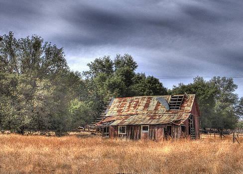 Old Barn by Judith Szantyr