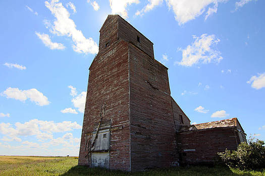 Old Grain Elevator by Gerald Murray Photography
