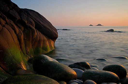 Porth Nanven - Cornwall by Pete Hemington
