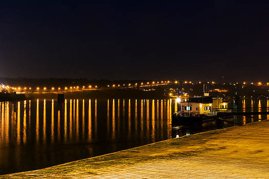 Newnow Photography By Vera Cepic - Quay lanterns with reflection in Danube river