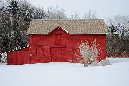 Red Barn in Snow by Ray Summers Photography