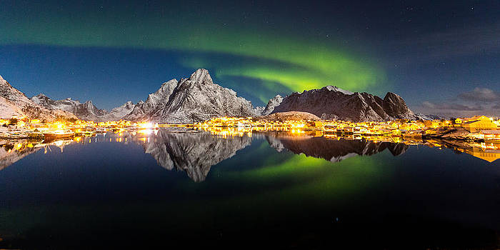 Reflected Aurora by Alex Conu