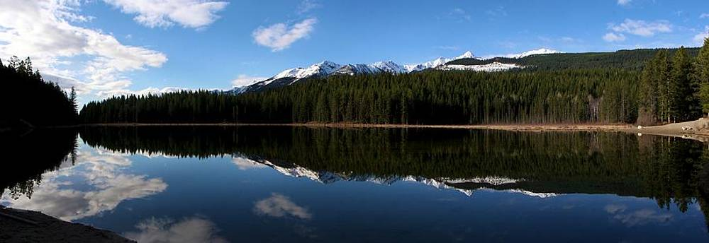 Reflection Bay - Jasper, Alberta - Panorama by Ian Mcadie