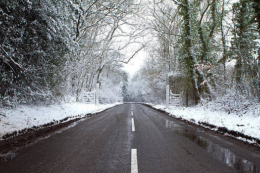 Fizzy Image - road on a cold winters day