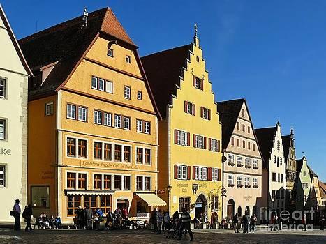 Rothenburg ob der Tauber by Gisela Scheffbuch