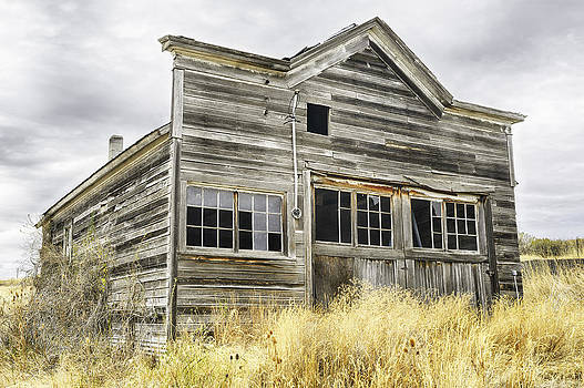 Rustic Building by Thomas Chamberlin