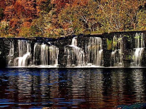 Matthew Winn - Sandstone Falls in Autumn
