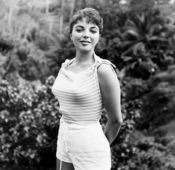 Sea Wife, Joan Collins, On-set by Everett