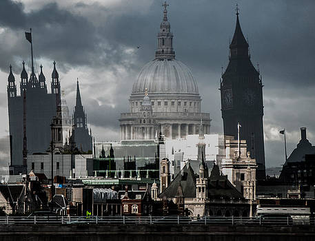 St Paul's and Westminster by Simon Hackett