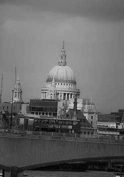 St Paul's by Simon Hackett