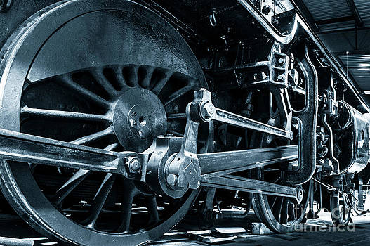 Peter Noyce - Steam train wheels.