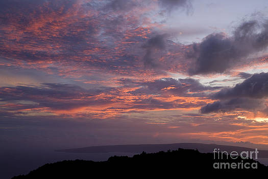 Charmian Vistaunet - Sunset from South Maui