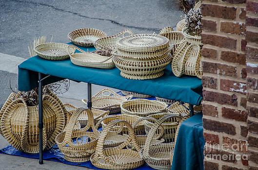 Dale Powell - Charleston SC Sweet Grass Basket Stand