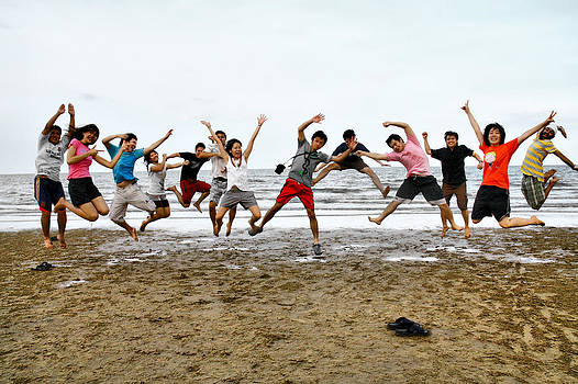 Tagteam Jump by Suradej Chuephanich