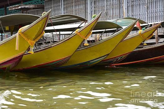 Thailand floating market by Bobby Mandal