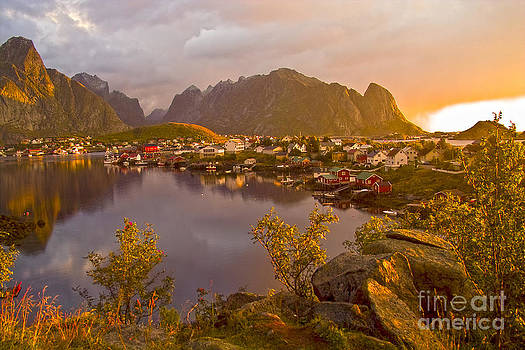 Heiko Koehrer-Wagner - The day begins in Reine