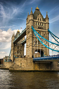 Tower Bridge London by Pier Giorgio Mariani