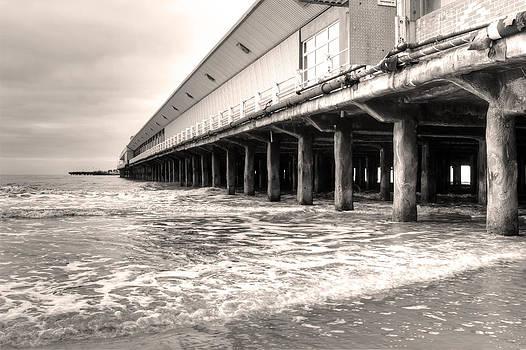 Fizzy Image - Walton Pier